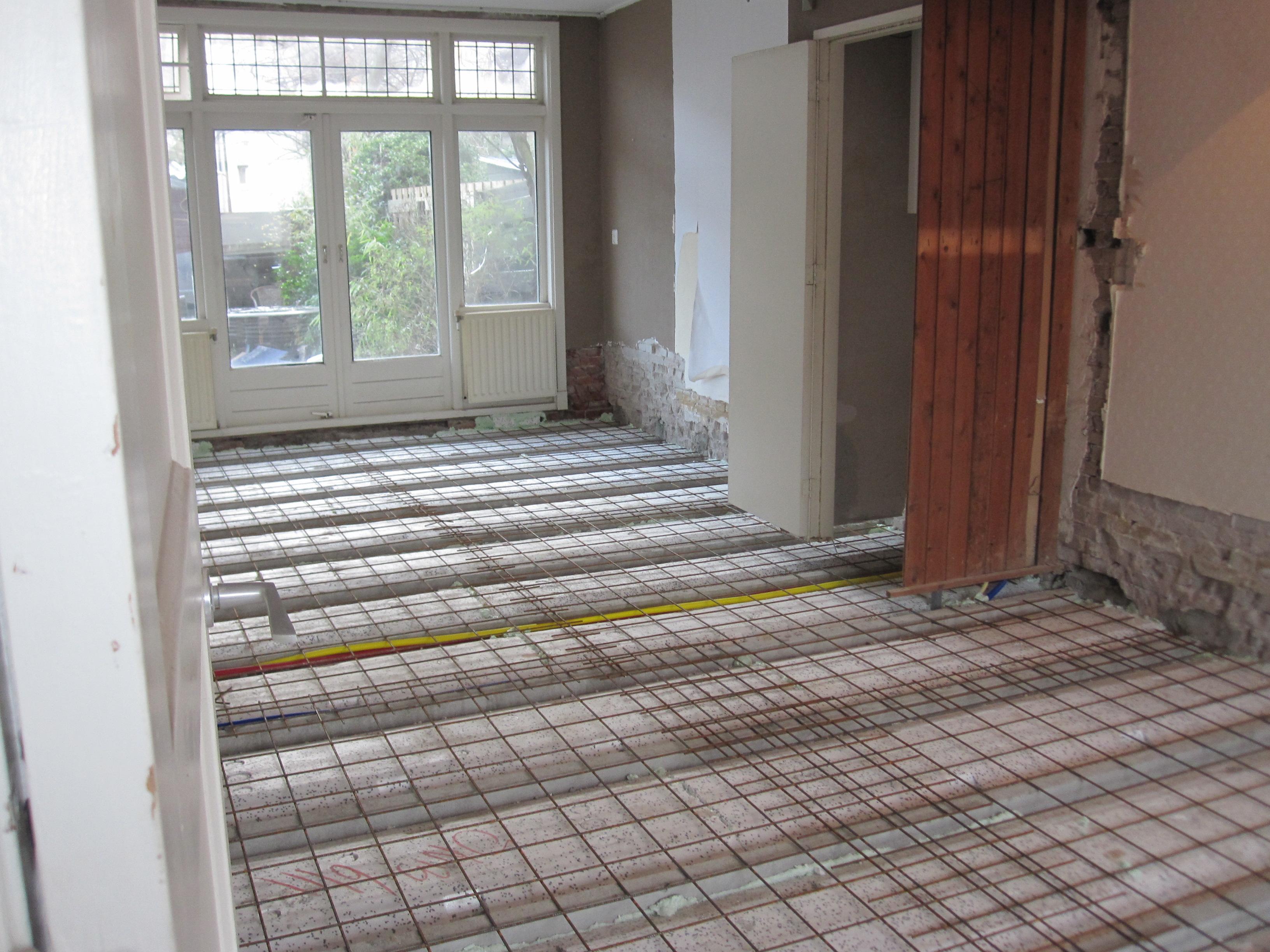 Badkamer Vloer Storten : Betonnen vloer storten storten beton plafond cq vloer residencia